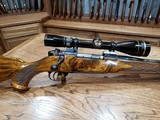 Weatherby Mark V 7mm Mag Bolt-Action Rifle - 1 of 14