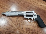 Smith & Wesson Performance Center Model 460 XVR 460 S&W Magnum 11626 - 1 of 11