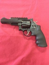 SMITH & WESSON MODEL 327 MPR8