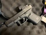 Glock 19 MOS (9MM) (Gen 5) w/ Trijicon SRO 2.5 MOA