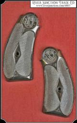 Hard rubber grips for S&W New Model No. 3, .44 CAL. DOUBLE ACTION