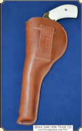Holster Copied after Clark Saddlery holster - 5 of 6
