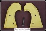 John Wayne style 1920s - 40s Yellow Catilin Bisley Grips - 7 of 8