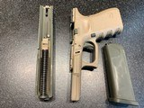 Glock G23C Gen 3, .40S&W with Custom Cerakote finish and all accessories - 9 of 12