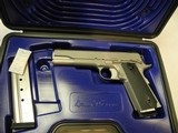 DAN WESSON 1911 VALOR GOVERNMENT SEMI AUTO 9MM LUGER (01876)