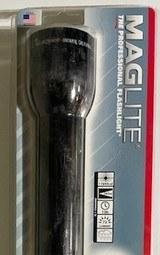 MAGLite Flashlight 4D Cell Hang Heavy Duty Black Mag Light Maglight S4D016 - 2 of 4