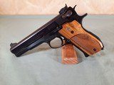 Smith & Wesson Model 52-2 38 Special Pistol