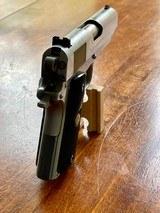 Colt 1911 Series 80 Stainless Officer's Model - 4 of 10