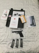 Ruger SR9 9mm with three clips and new holster