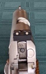 Colt Combat Commander - 7 of 9