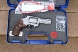 SMITH & WESSON PRO SERIES MODEL 60-15 357 magnum