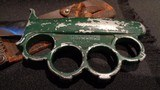 EVERITT WWII KNUCKLE KNIFE.WWII COMMANDO KNIFE.EVERITT KNUCKLE KNIFE.EXTREMELY RARE FIGHTING KNIFE!!!GREEN GRIP.WITH SHEATH. - 8 of 10