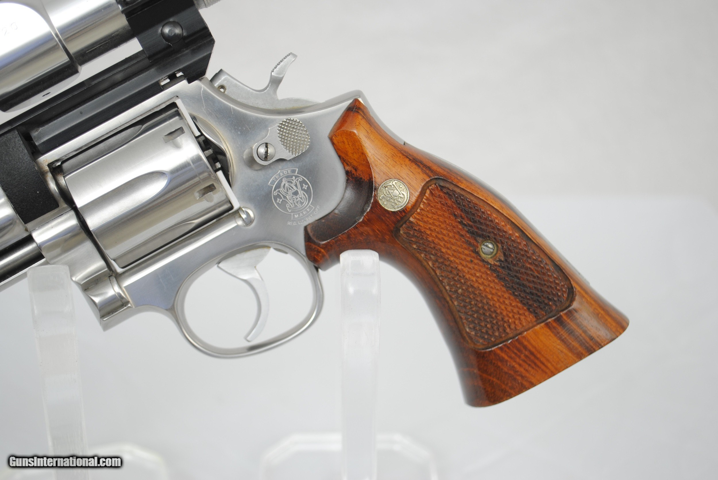 SMITH WESSON MODEL 686 WITH SCOPE