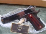 Les Baer 1911 Ultimate Tactical Carry 5 - 1 of 15