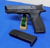 Smith & Wesson M&P 40 Semi-Auto Pistol