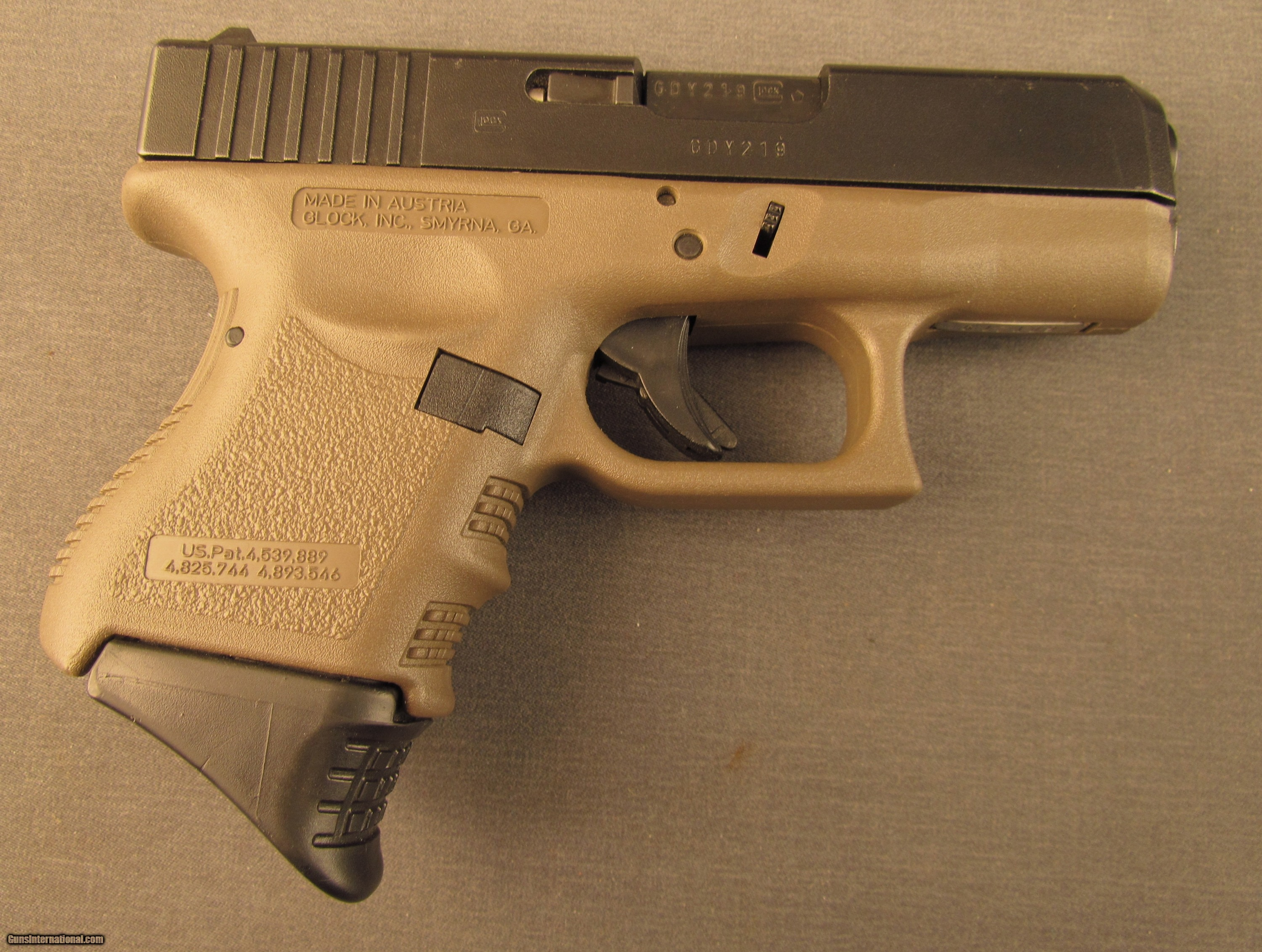 Glock 27 Sub Compact 40 S W Pistol 2 Mags