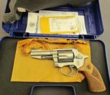 Smith & Wesson Pro Series Revolver Model 60-15 - 10 of 12