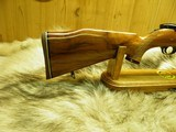 """WEATHERBY MARK XXII RIMFIRE DELUXE 22LR.TUBE FEED """"BEAUTIFUL FIGURE WOOD""""NEW IN FACTORY BOX! - 4 of 12"""