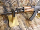AK-47CENTURYARMSRAS47S,7.62 x 39,2 - 30ROUNDMAG,WALNUTSTOCK,SIDESCOPEMOUNT,ADJ.SIGHTS,AMERICANMADE,NEWINBOX - 11 of 23