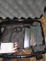 S&WM&P45 A.C.P,.PRE-OWNED,ALMOSTNEW,NIGHTSIGHT,3 - 10 + 1 ROUND MAGAZINES,HARDCASE, NODISAPPOINTMENTHERE,SEEPICTURES!!! - 25 of 25