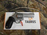 TAURUS TRACKER .44-MAGNUM,