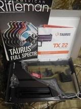 """TAURUS,NEWITEM, TX-22,.22-L.R.4.1""""BARREL,ADJUSTABLESIGHTS,( """""""" WOW""""""""2 - 16ROUNDMAGAZINES), TAN,"""