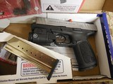 """Smith & Wesson 13050 SD9 VE Crimson Trace Rail Master 9mm Luger 4"""" 16+1 Black Stainless Steel Black Textured Polymer Grip - 4 of 24"""