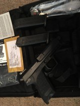 Heckler and Koch USP Tactical .40 cal NIC - 7 of 8