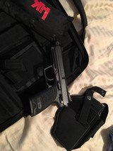 Heckler and Koch USP Tactical .40 cal NIC