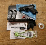 """Smith & Wesson M&P9 M2.0 Compact 4"""" 11683"""