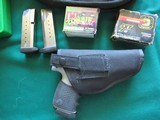 SMITH & WESSON SW40V SIGMA With HOLSTER and AMMO - 3 of 3