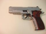 Sig Sauer P226 Elite Stainless .40s&w pistol - 1 of 2
