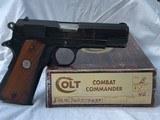 Colt 1911 Combat Commander .45acp