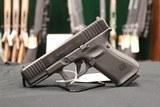 Glock G19 G5 9MM Handgun + Famars Tactical Knife Glock - 3 of 5