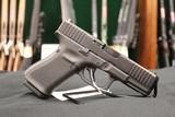 Glock G19 G5 9MM Handgun + Famars Tactical Knife Glock - 4 of 5