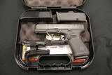 Glock G19 G5 9MM Handgun + Famars Tactical Knife Glock - 2 of 5