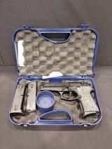 Pre-Owned - Beretta 92 Compact 9mm Handgun - 2 of 7