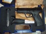 Smith&Wesson M&P 45, 45 cal pistol - 2 of 3