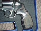 Smith and Wesson S&Wmodel 686 Talo357mag revolver. - 4 of 6