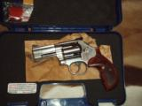 Smith&Wesson S&W 686-8 357mag revolver - 1 of 6