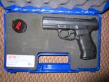 Smith Wesson SW99 9MM semi auto pistol - 3 of 4