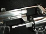 Quality Smith & Wesson 357 mag 38spl 6in Polished Stainless Comfort Grip - 7 of 9