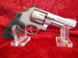 SMITH & WESSON 8-SHOT MODEL 627-5 357MAG - 1 of 5
