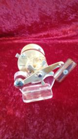 Calcutta 700s Forged Casting Reel by Shimano - 7 of 7