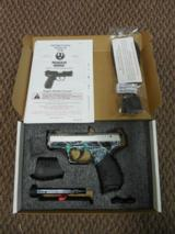 Ruger SR22 pistol .22 lr DA Silver Anodize/Green Camo #3640 NEW Davidsons Exclusive