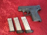 Smith & Wesson S&W M&P 9 Shield 9 mm pistol w/ 3 mags