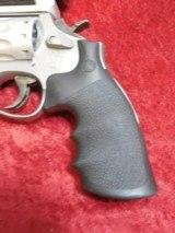 "Smith & Wesson S&W 617-1 10-shot .22 lr revolver SS 6"" bbl Truglo Sight - 8 of 10"