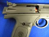 Smith & Wesson Pistol .22LR Model 22A - 2 of 5