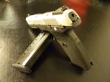 RUGER STAINLESS SR40 STAINLESS FULL-SIZE .40 S&W 3470 - 3 of 5