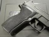 Sig Sauer P226 .40 S&W with Night Sights - 4 of 8